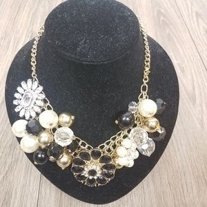 Jewelry - Floral Black, pearl gem necklace